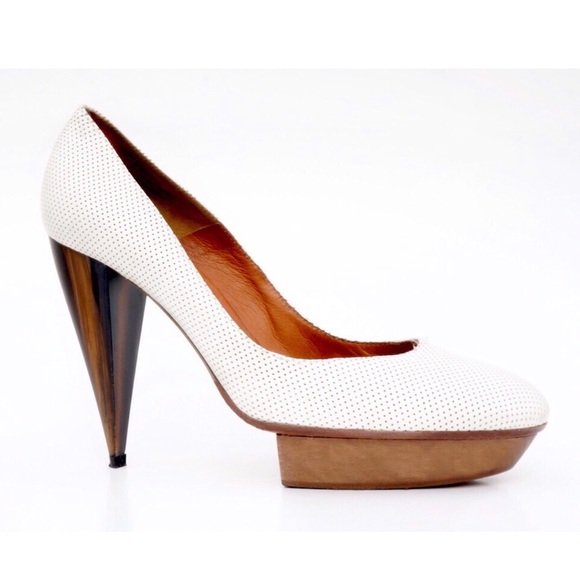 Lanvin Shoes - Lanvin Leather Pump w Wooden Heel Platform Sz 9 39